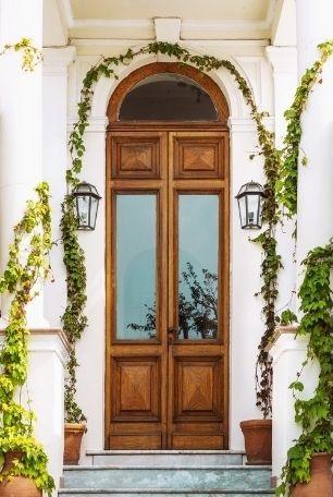 Porte d'entrée vitrée en bois