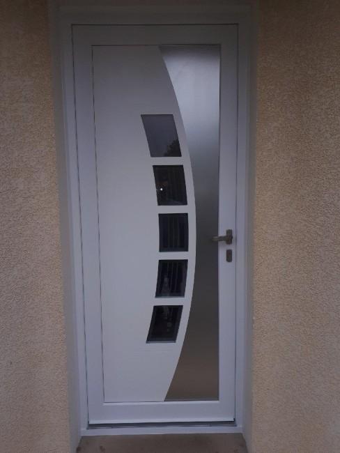 avis photos et devis sur pvc co bordeaux menuisier pvc. Black Bedroom Furniture Sets. Home Design Ideas