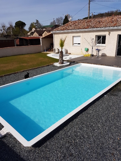 Avis photos et devis sur elegance piscines et spas for Piscine coque polyester albi