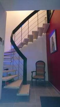 Créateur d'Escaliers Roullet-Saint-Estèphe Rochard Menuiseries Charpentes Ludovic