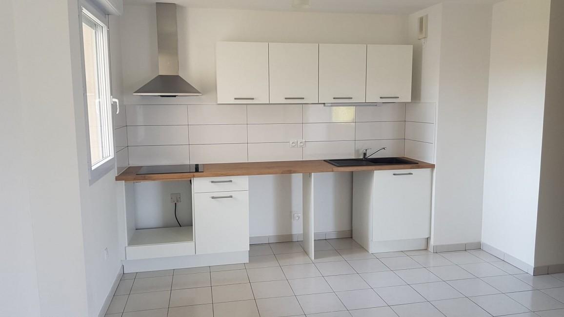 avis photos et devis sur cuisines aviva castres. Black Bedroom Furniture Sets. Home Design Ideas