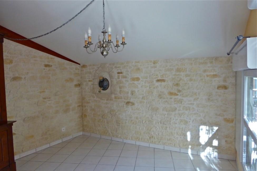 Carrelage pierre naturelle salle de bain simple carrelage for Ambiance carrelage