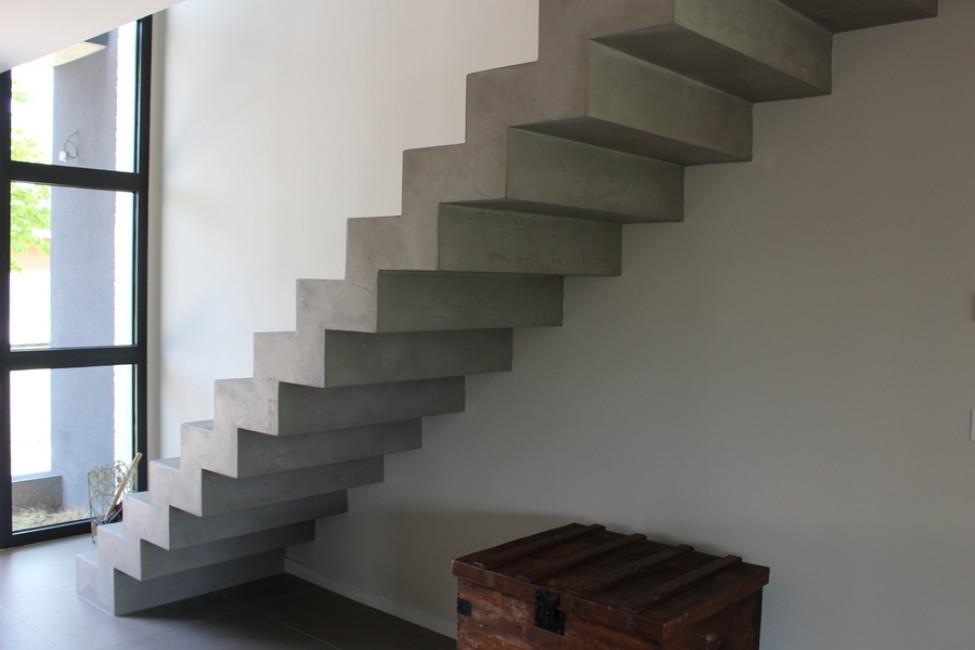 avis photos et devis sur azam escaliers escaliers saint amans valtoret. Black Bedroom Furniture Sets. Home Design Ideas