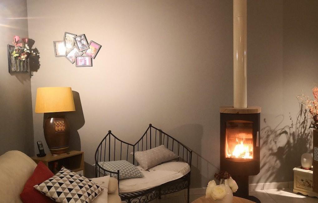 avis photos et devis sur la maison du po le bois poele. Black Bedroom Furniture Sets. Home Design Ideas