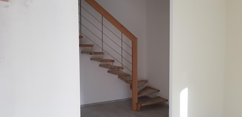 avis photos et devis sur les artisans du bois cr ateur d 39 escaliers la chapelle saint luc. Black Bedroom Furniture Sets. Home Design Ideas