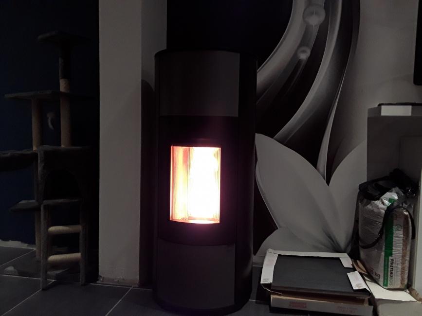 avis photos et devis sur conviflamme caen po les chaudi res cuisini res bois et granul s. Black Bedroom Furniture Sets. Home Design Ideas
