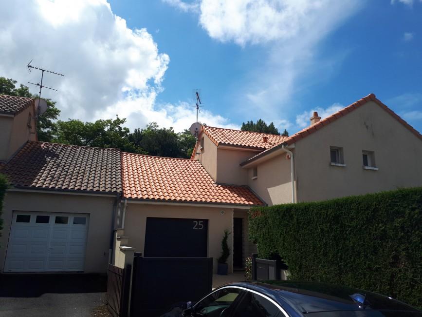 Rénovation de façades Preuilly-sur-Claise Turone Façades - Applicateur Exclusif VERTIKAL vincent