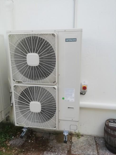 Fournisseur d'équipements d'énergie solaire SAILLAGOUSE CERDAGNE ENERGIE Myriam