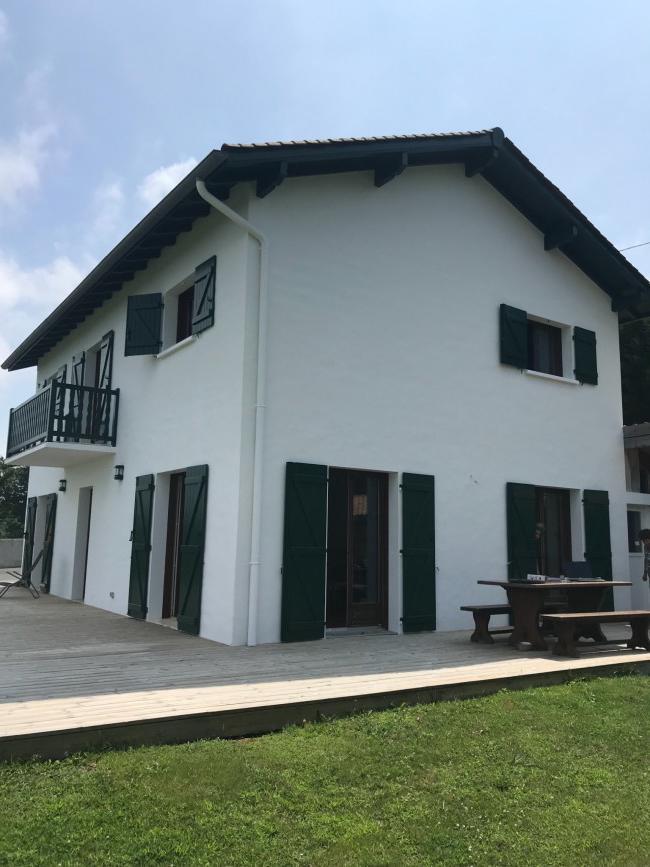 Rénovation de façades Pau RAVAL FACADES 64 - Applicateur Exclusif VERTIKAL Fabienne