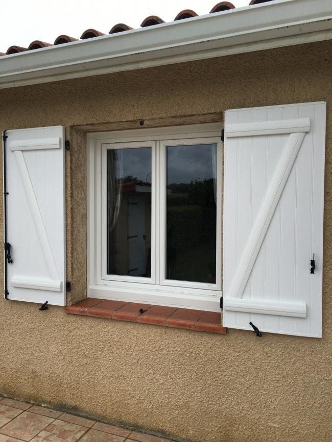 Fenetre toulouse awesome fentre bois vantaux avec impost for Fabricant de porte de garage au portugal