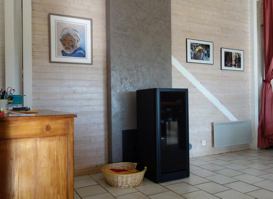 avis photos et devis sur flaam albi foyers po le bois po le granul s design puygouzon. Black Bedroom Furniture Sets. Home Design Ideas
