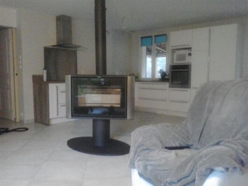 distance entre poele a granule et meuble poser un pole le pole pellet ou granul de bois sous. Black Bedroom Furniture Sets. Home Design Ideas