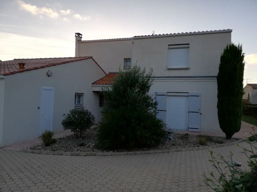 Rénovation de façades Saint-Georges-des-Coteaux PASSION FAÇADES - Applicateur Exclusif VERTIKAL Jean-Charles
